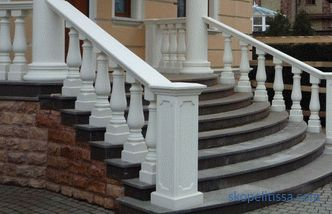 Entrance stairs to the house: requirements, components, materials