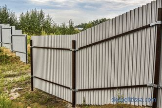 Fence of corrugated (professional sheet) - how to do it right: installation, installation and construction