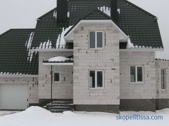 Country houses from foam blocks - turnkey projects, prices for construction in Moscow, photo