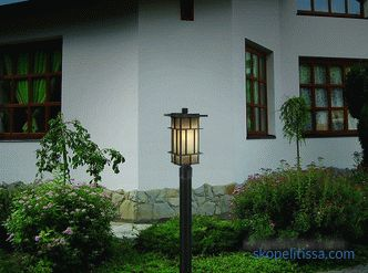 Country lanterns and lampposts, characteristics and subtleties of the choice of pillars for the garden