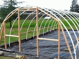 PVC pipe greenhouses: pros and cons, range, installation