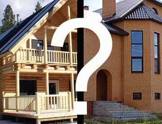 Wood or brick: what to choose for a country house?